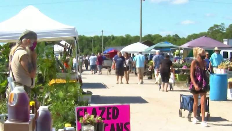 Volusia County farmers market reopens, drawing many shoppers