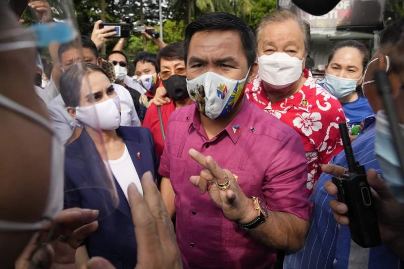 Pacquiao files bid for presidency as Philippine race heats