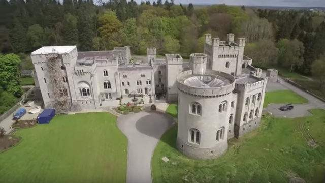 A shot of the castle: YouTube.