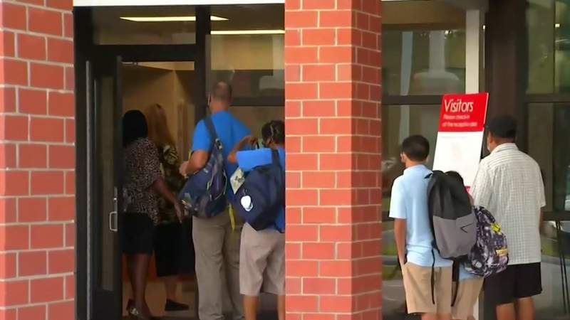 Seminole County welcomes students back to campuses
