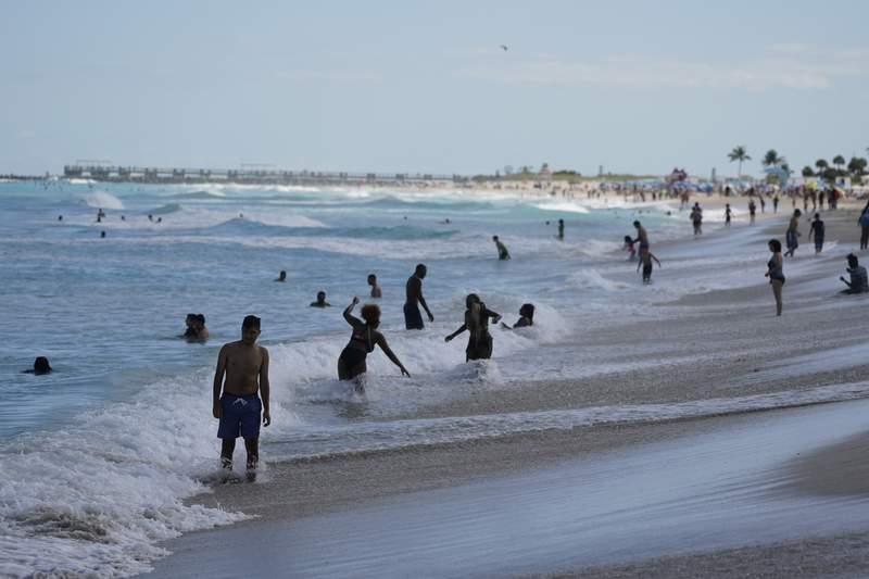 Florida beach. (AP Photo/Wilfredo Lee)