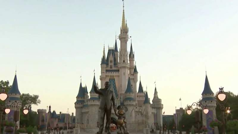 Disney World reacts to latest CDC guidance on masks