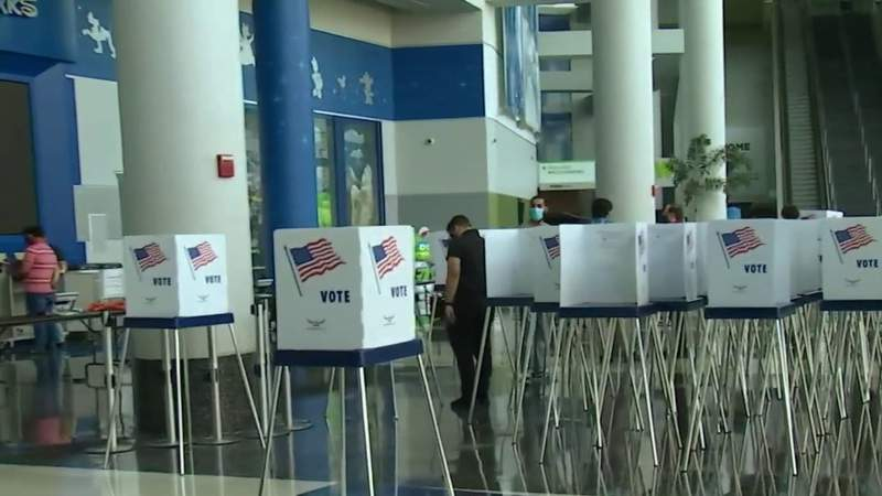 A look inside the early voting site at Amway Center