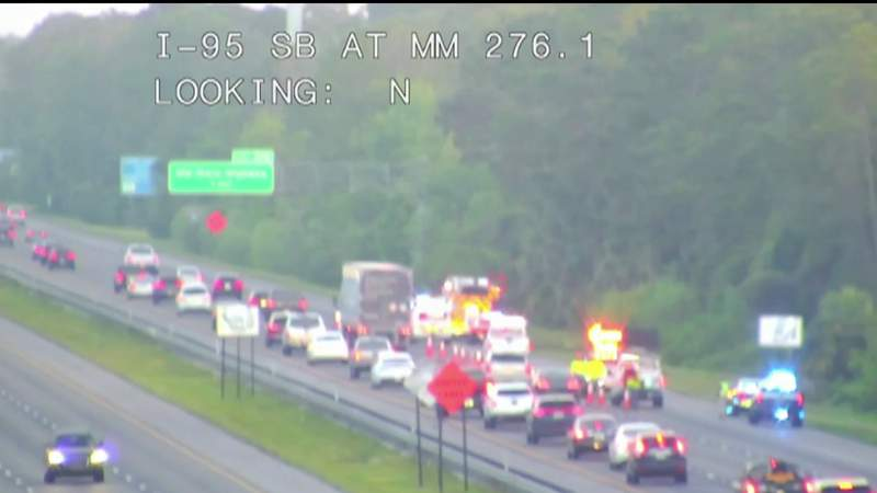 2 dead, 8 injured in crash on I-95 in Volusia County