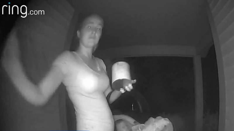 Mom abandons infant at stranger's door in Deltona, authorities say