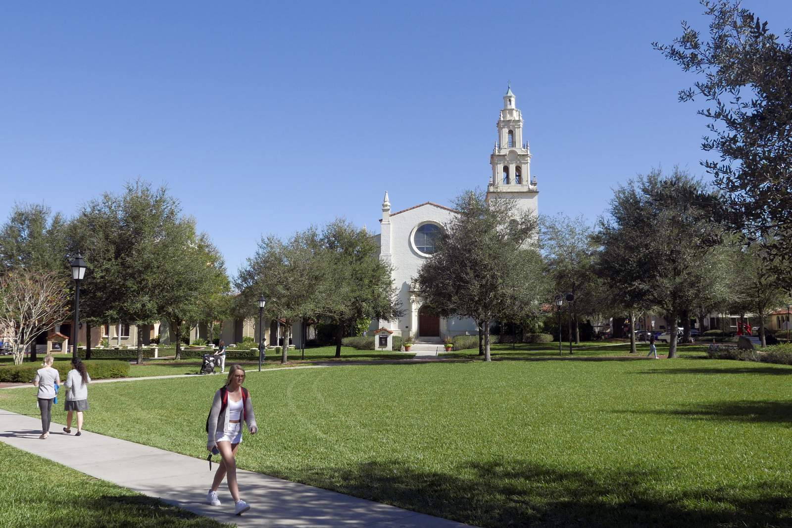 Rollins College Halloween 2020 Rollins College plans to welcome students back in September with