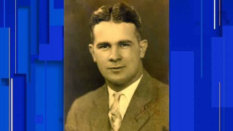 "Ignacio Saturnino ""Lou"" Molinet, the first Hispanic player in the NFL"