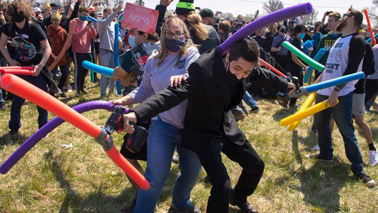 Hundreds gather to fight over the name Josh (Courtesy: KIII-TV)