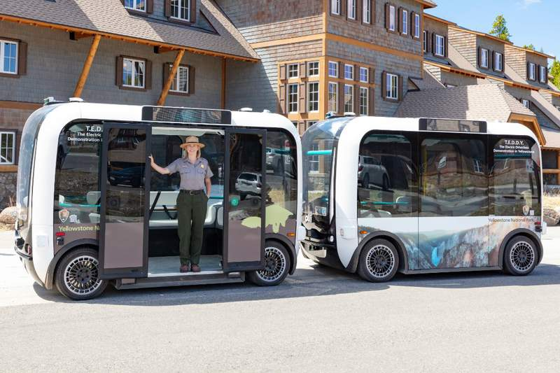 Driverless, electric shuttle at Yellowstone National Park (Image: Yellowstone National Park).
