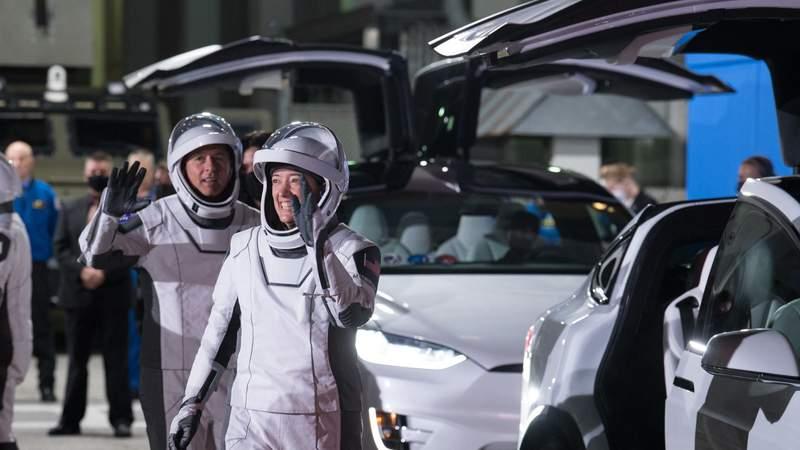 Crew-2 astronauts prepare for launch