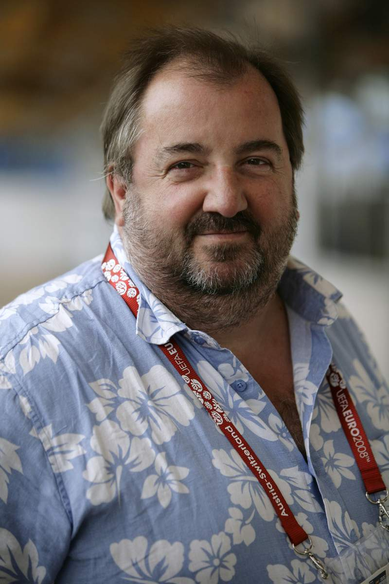 This 2008 file photo shows Simon Haydon, former Associated Press international sports editor. Haydon, who shaped The Associated Press coverage of World Cups and Olympics as international sports editor and reported on landmark news events while traveling the world as a correspondent, including the downfall of Romanian dictator Nicolae Ceausescu, died early Tuesday, Nov. 24, 2020 in a hospice in southern England, according to his wife Barbara. (AP Photo, File)