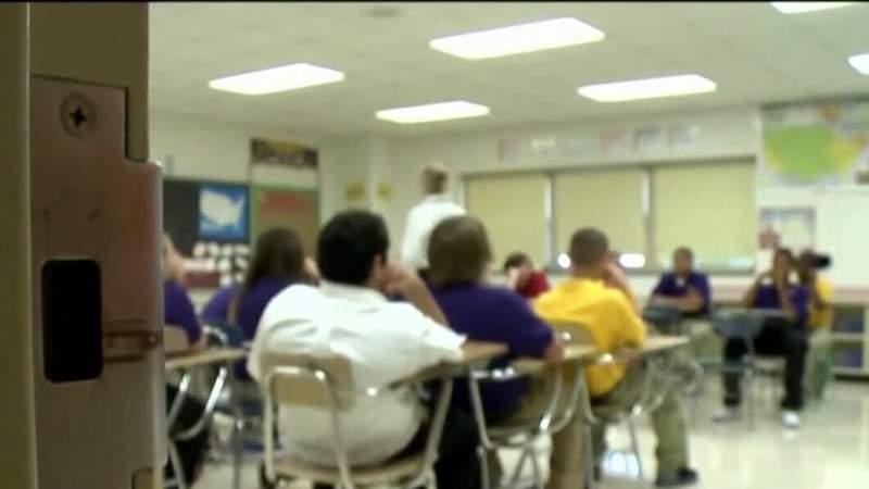 Florida's largest teachers' union fights to keep schools closed