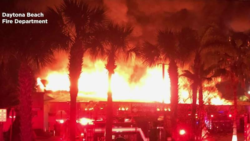 'Suspicious' fire breaks out at Village Plaza shopping center in Daytona Beach