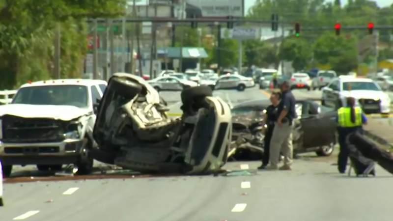 Double fatal crash closes Lee Road near Edgewater Drive in Orlando