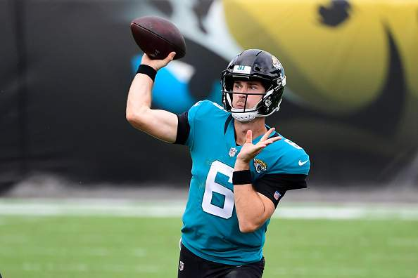 JACKSONVILLE, FLORIDA - NOVEMBER 08:  Jake Luton #6 of the Jacksonville Jaguars throws a pass during the first half against the Houston Texans at TIAA Bank Field on November 08, 2020 in Jacksonville, Florida. (Photo by Douglas P. DeFelice/Getty Images)