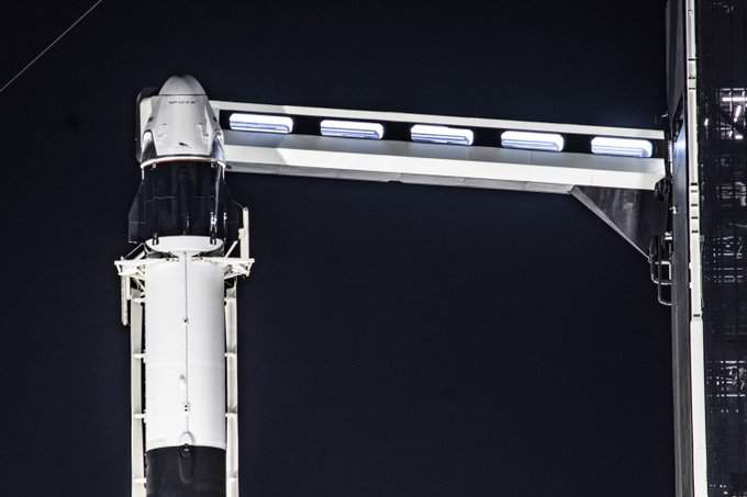 The Falcon 9 and Crew Dragon vertical at launchpad 39A ahead of the Jan. 18, 2020 in-flight demonstration of the spacecraft's launch escape system.  (Image: SpaceX)