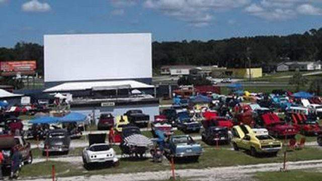 Drive In Movie Theaters Still Exist In Florida Here S Where