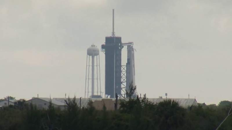 Offshore weather conditions delay SpaceX crew launch until Friday