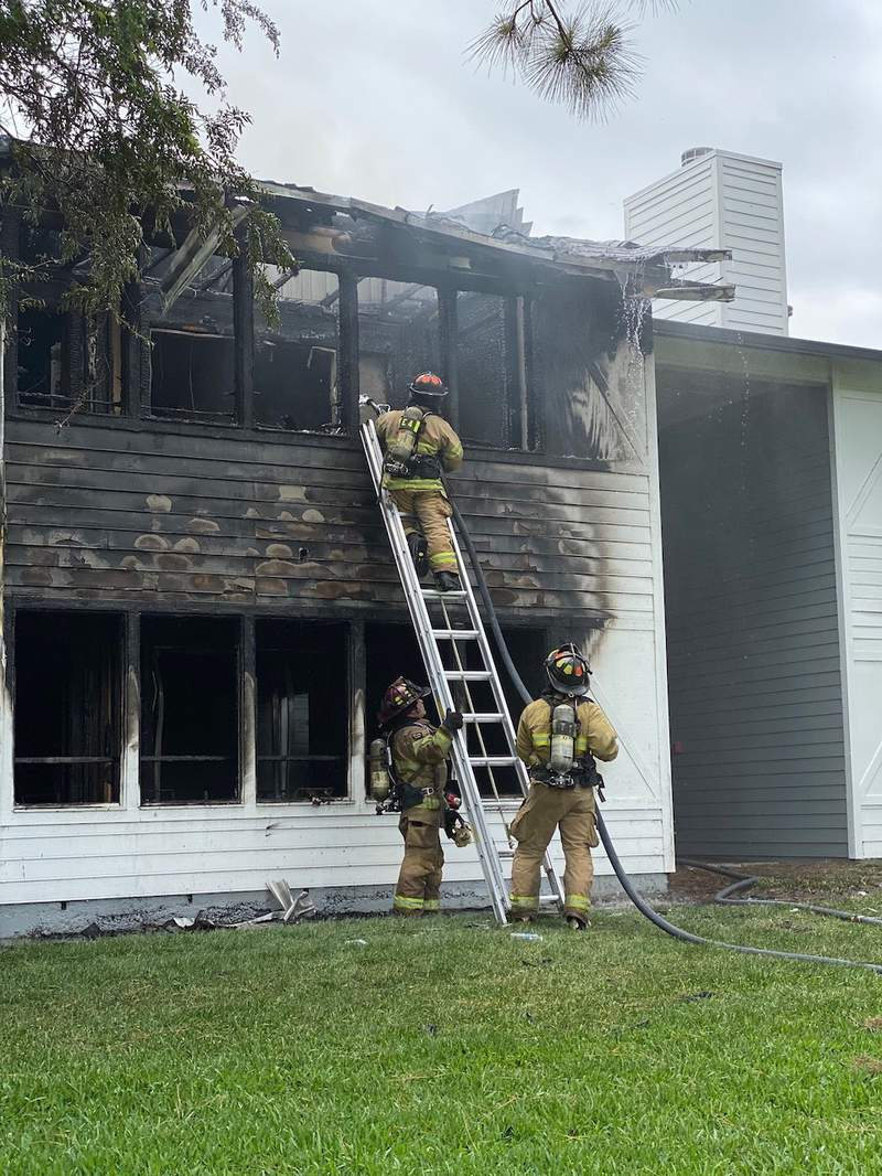 Ocala Fire Rescue personnel responded to reports of an apartment fire.