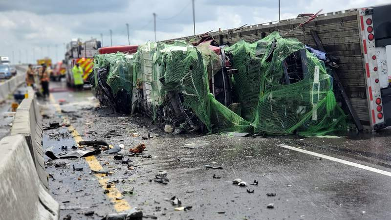 Portion of westbound I-4 shut down in Orange County on Aug. 21, 2020, after a semi flips and spills fuel, OCFR says. (Image: OCFR)