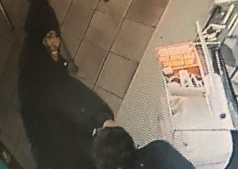 An assailant is sought in a stabbing in Daytona Beach.