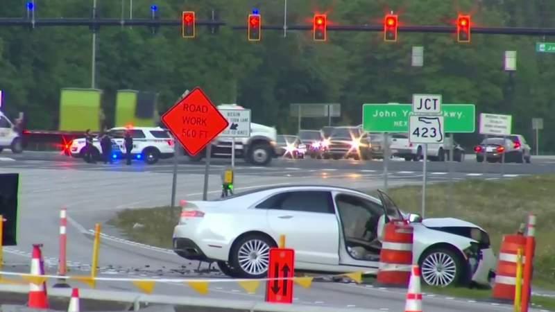 2 Orlando police officers seriously injured in wrong-way crash