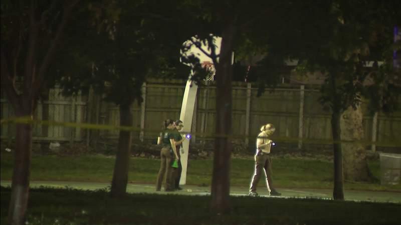 2 gunman start shooting at basketball courts injuring 8 people in NW Miami-Dade