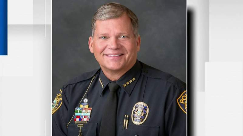 Funeral held for Ocala police chief killed in plane crash