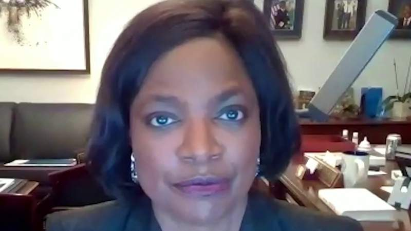 Rep. Val Demings says she went into police mode during capitol evacuation