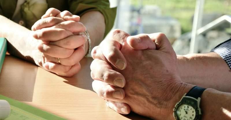 File: Praying hands.