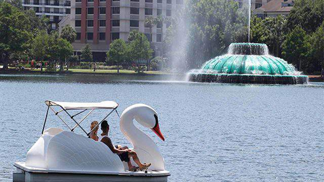 Guests can visit Lake Eola and the surrounding park for free. Swan boat rentals are available along with nearby restaurants.