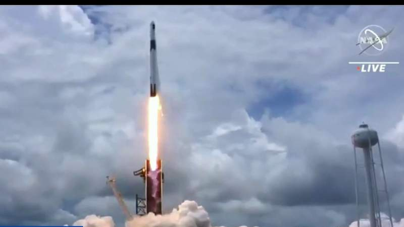 COVID-19 oxygen demand delaying launches from SpaceX and ULA