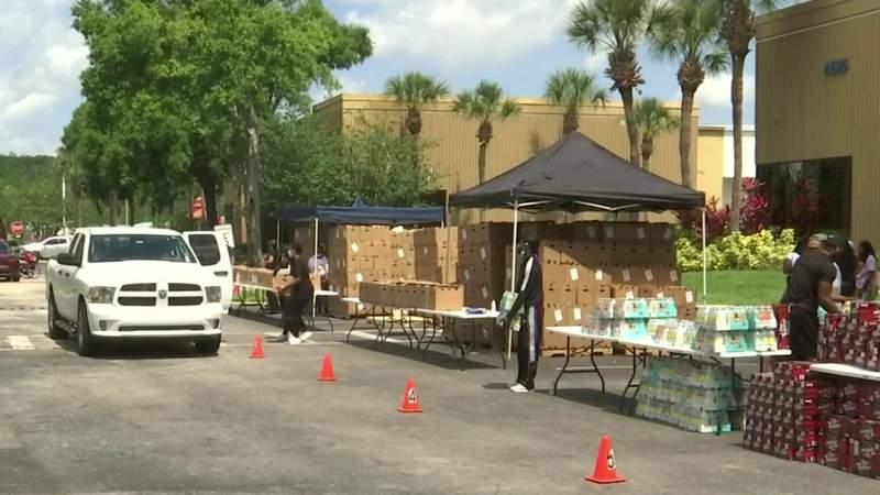 State senator, Farm Share distribute food for nearly 500 families in Orlando