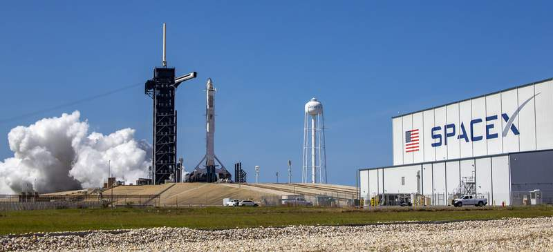 A SpaceX Falcon 9 at KSC launchpad 39A during a static fire test on May 22, 2020. (Image: SpaceX)