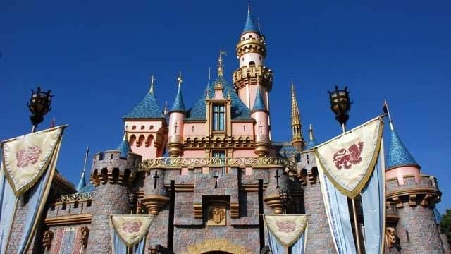1. Disneyland (Anaheim, Calif.)
