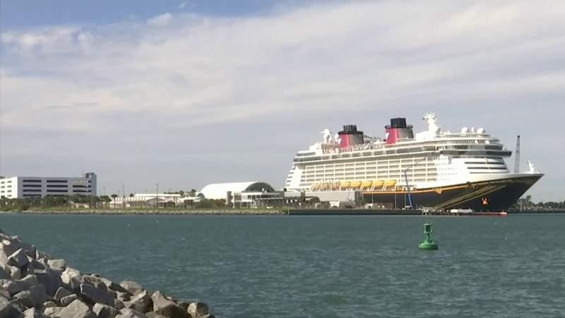 Norwegian Cruise Line suspends sailings through February