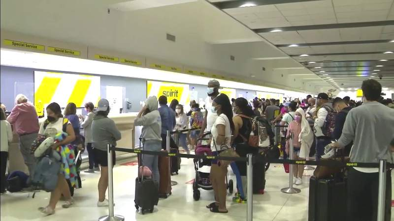 Spirit Airlines passengers deal with long lines, delays