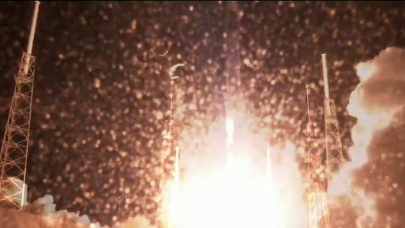 SpaceX launches another batch of satellites