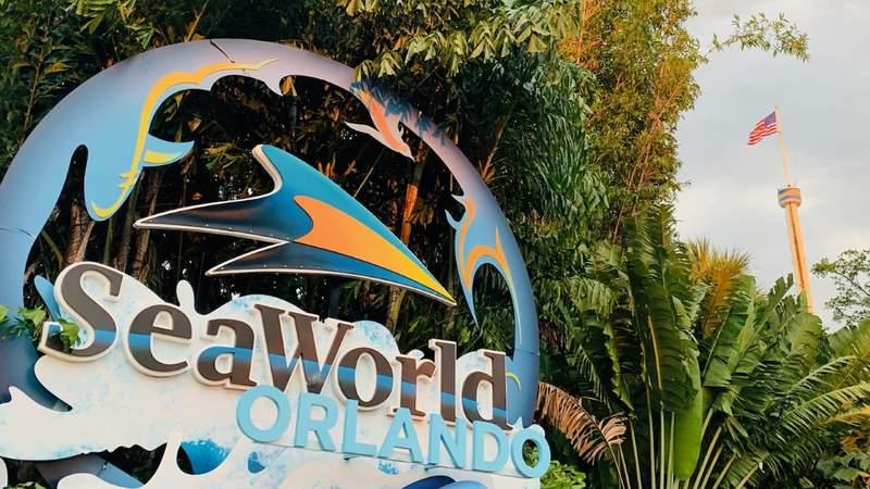 SeaWorld Orlando entrance sign