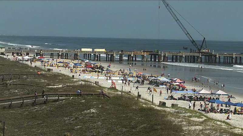 Crowds in Jacksonville Beach on Saturday